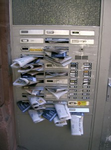Email_crammedmailbox